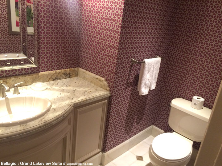 Bellagio Grand Lakeview Suite Review Bathroom 1