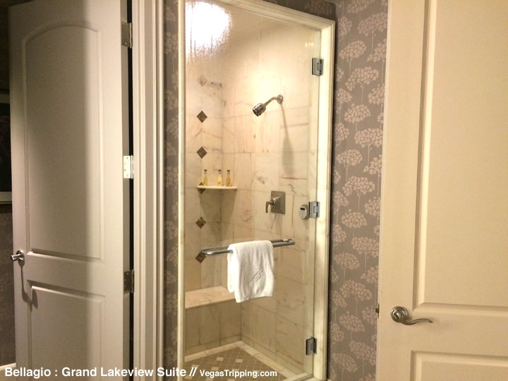 Bellagio Grand Lakeview Suite Review Bathroom 3