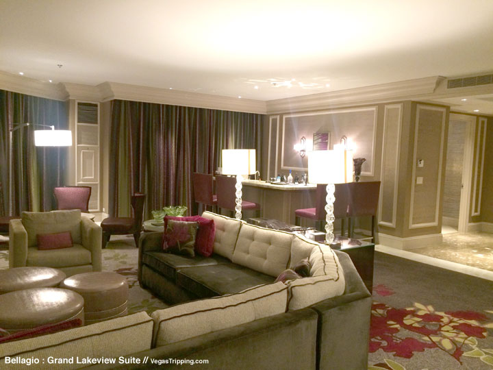 Bellagio Grand Lakeview Suite Review Living Room 3