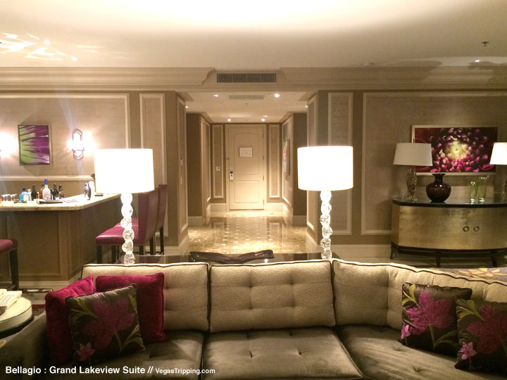 Bellagio Grand Lakeview Suite Review Living Room 5