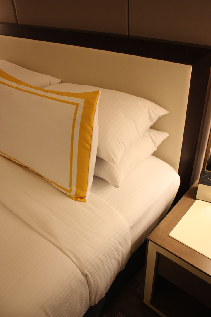 Caesars Palace Julius Tower Hotel Room Review Bed Linens