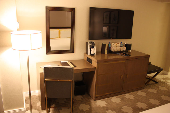 Caesars Palace Julius Tower Hotel Room Review Entertainment