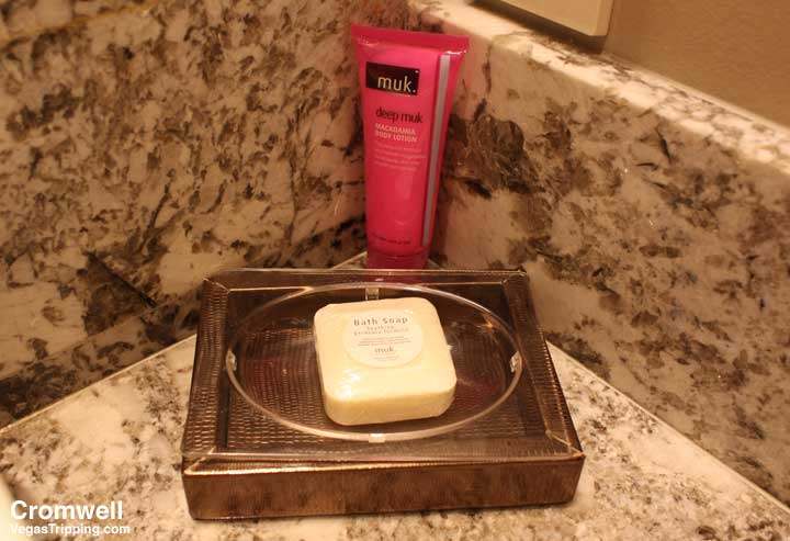 Cromwell Las Vegas Deluxe Room Review 2015 Muk