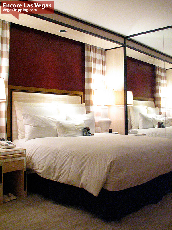 Encore Las Vegas Room Review Photos - Bed
