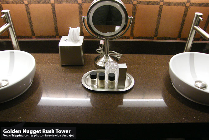 Golden Nugget Rush Tower Review  Sinks