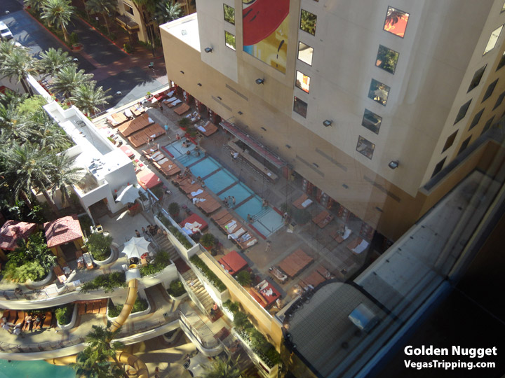 Goldennugget Spatower View1