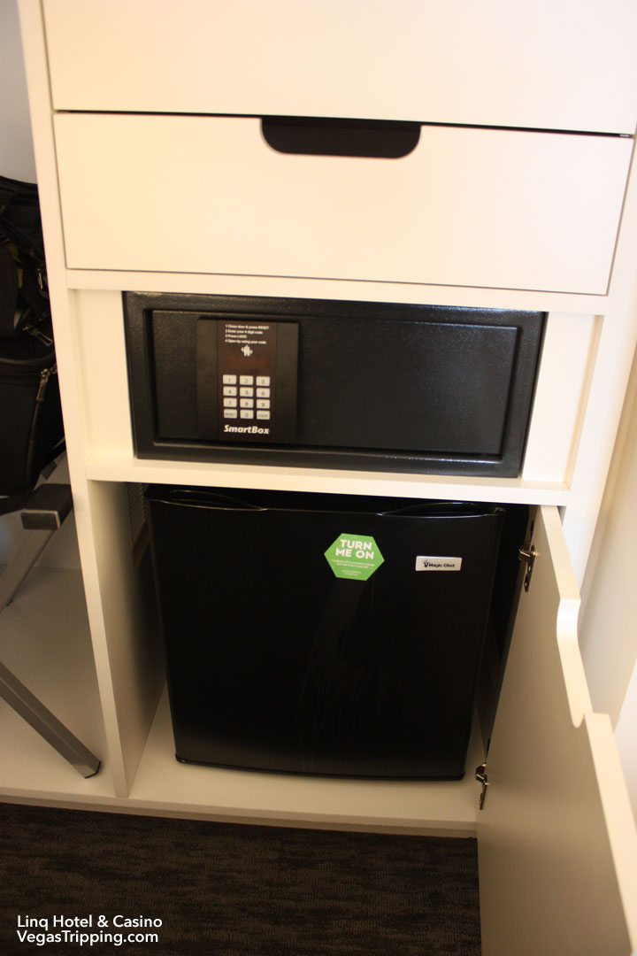 LINQ Hotel & Casino Room Review Closet Safe