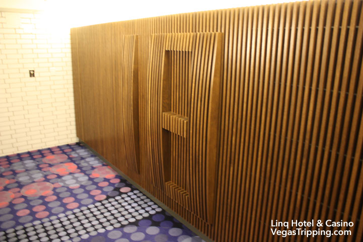 LINQ Hotel & Casino Room Review Landing 18