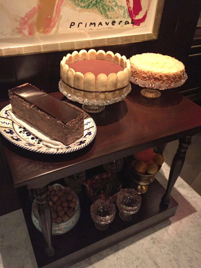 Aria Carbone Dessert Cart