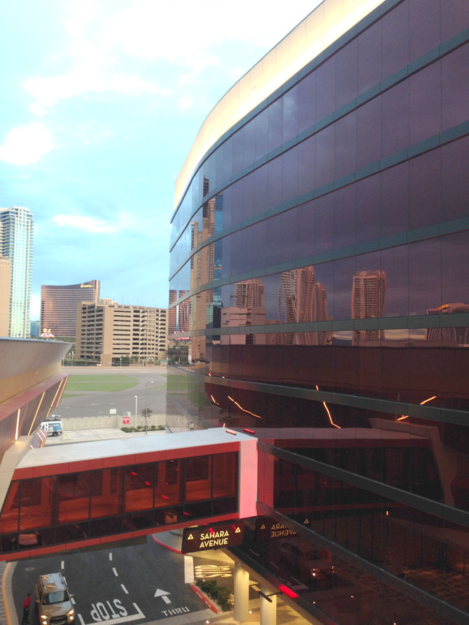 Lucky Dragon 1 Exterior Skybridge