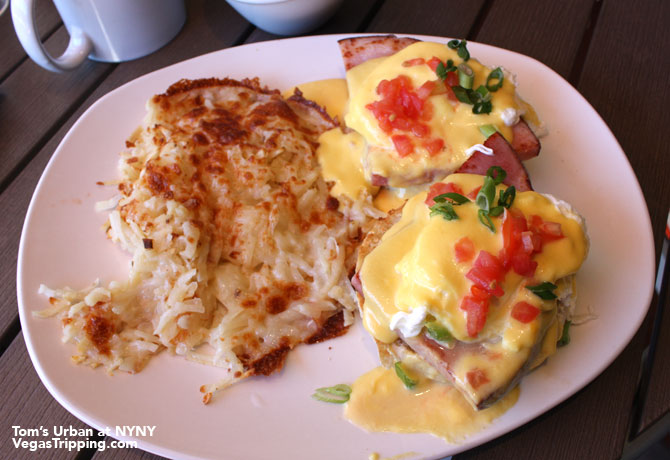 New York New York Tom's Urban Las Vegas Review Eggs Benedict