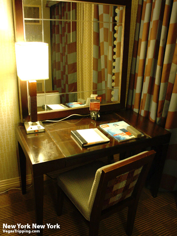 New York New York Park Avenue Room  Review Desk