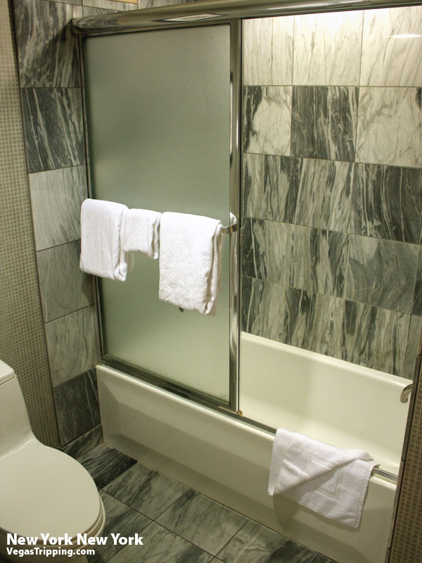 New York New York Park Avenue Room  Review Tub
