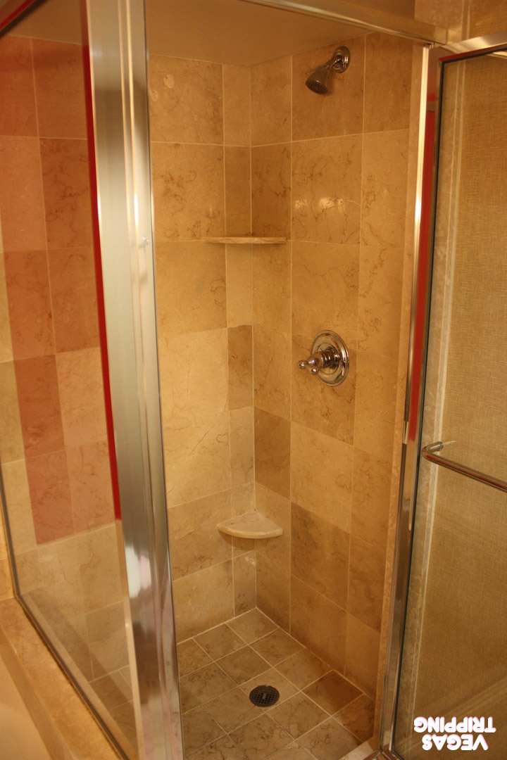 Paris Red Rooms Review 2014 Shower