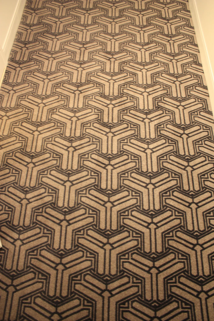 Planet Hollywood Ultra Hip Room Review Carpet