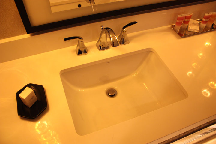Planet Hollywood Ultra Hip Room Review Sink