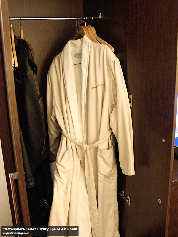 Stratosphere Select Robe
