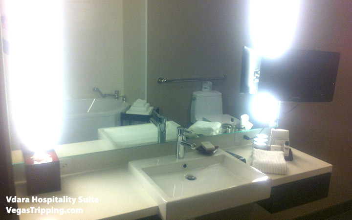 Vdara Hospitality Suite Review: Bathroom Sinks