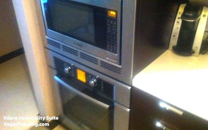 Vdara Hospitality Suite Review: Kitchen Oven
