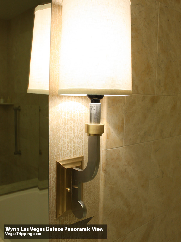 Wynn Deluxe Panoramic Sconce