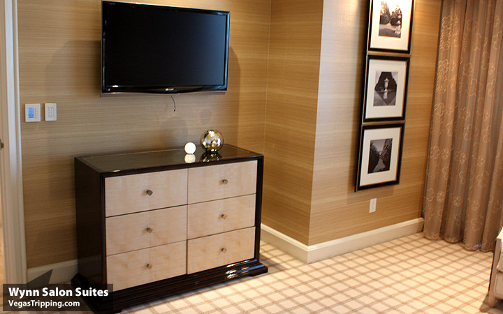 Wynn Salon Suite Dresser